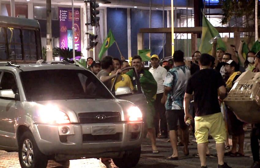Motorista discute com eleitores de Bolsonaro e é detido na Praça Portugal