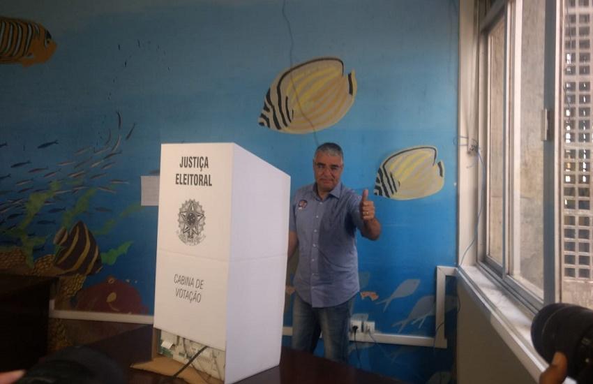 """Filiado ao Pros, que apoia Haddad, Eduardo Girão vai de Bolsonaro, """"com ressalvas"""""""