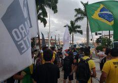 Pessoas em manifestação em referência a Eleitores de Bolsonaro realizam buzinaço no bairro Benfica