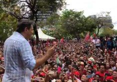 Fernando Haddad caminhou pelas ruas do Centro até a Praça do Ferreira. (Foto: Reprodução)
