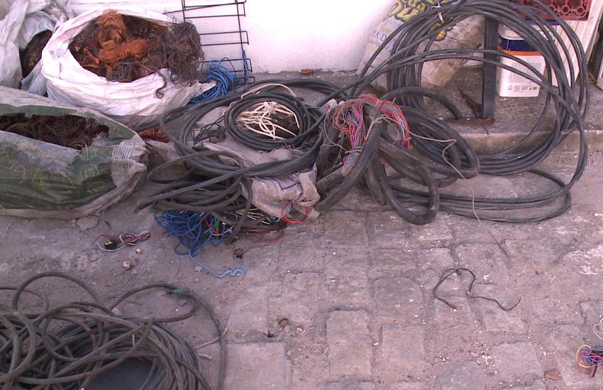 Polícia apreende em Fortaleza quase uma tonelada de cabos de energia furtados