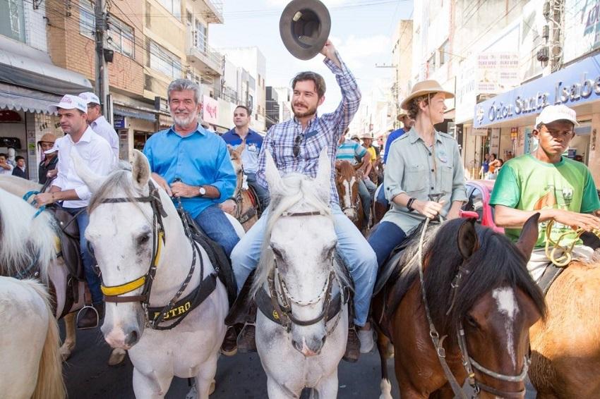 14 parentes de políticos do Ceará conseguem cargos de deputado estadual ou federal