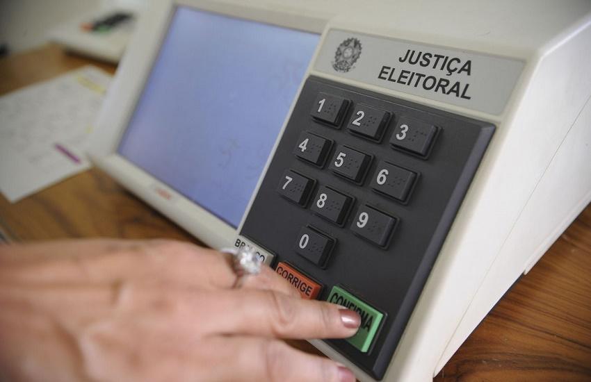1º ato oficial de eleitos em 2018 mostra que acirramento não acabou com o fim da eleição