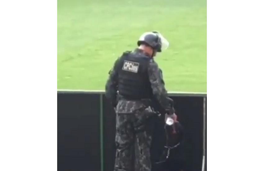 Quem são o policial e o cachorro que viralizaram em vídeo durante jogo no Castelão