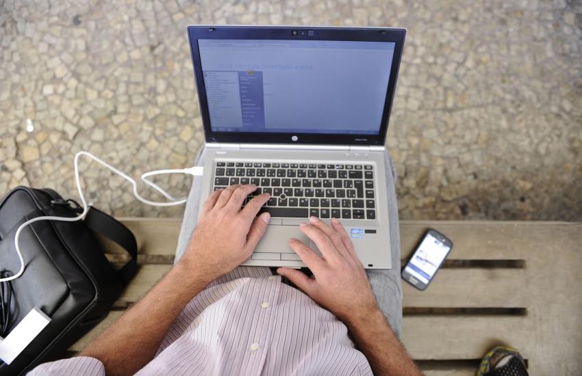 66% dos idosos brasileiros usam a internet, aponta pesquisa