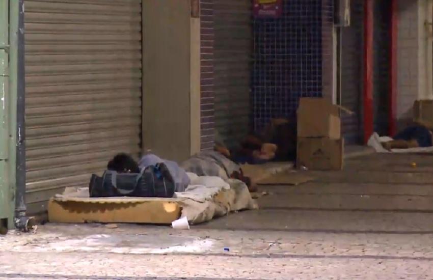 Crescimento do número de moradores de rua em Fortaleza se agrava com a crise financeira