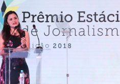 Repórter Jéssica Welma participou da cerimônia de premiação (FOTO: Divulgação/Prêmio Estácio de Jornalismo)