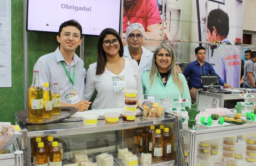 Professora desenvolve sorvete de planta do Sertão Central