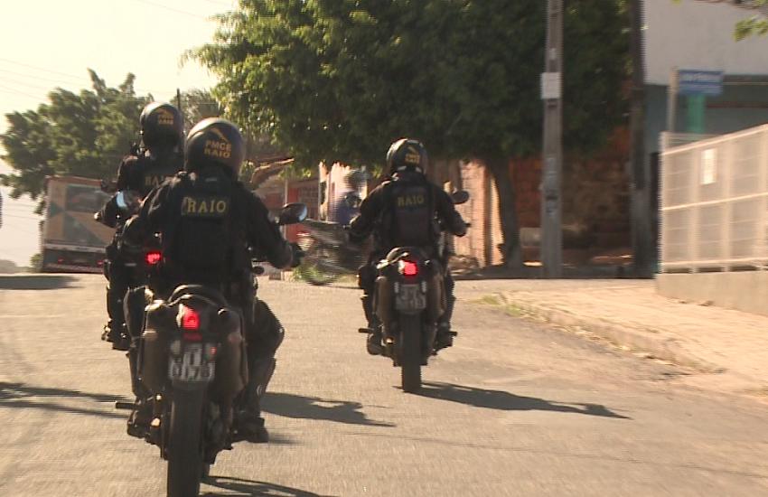 Polícia prende suspeitos de praticar mais de 30 assaltos em bairro de Fortaleza