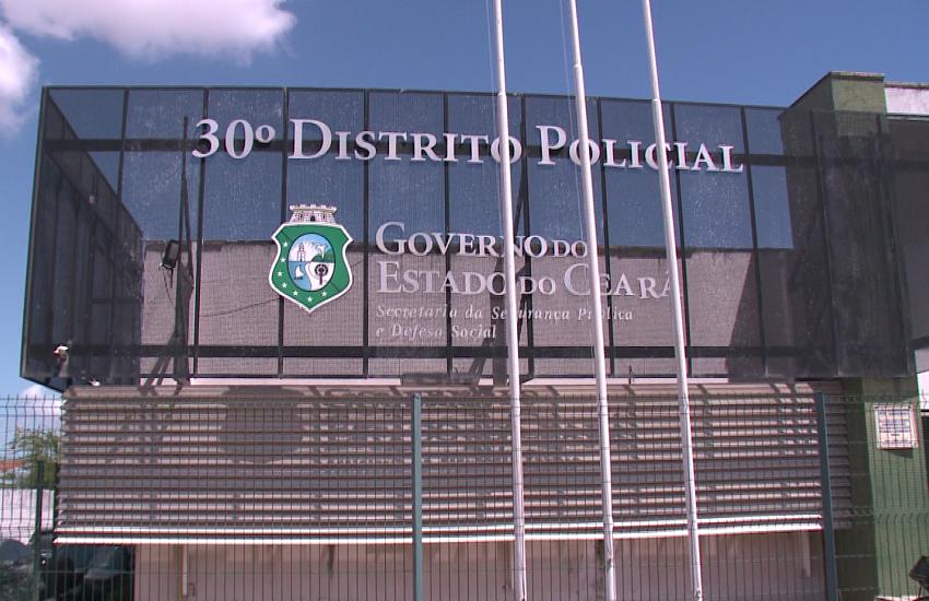 Família com bebê de 7 meses é expulsa de casa por facção criminosa em Fortaleza