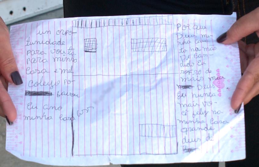 Criança expulsa de casa por facção escreve carta pedindo a Deus para voltar a morar no local