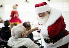 Papai Noel visita Abrigo de Idosos (FOTO: Divulgação)