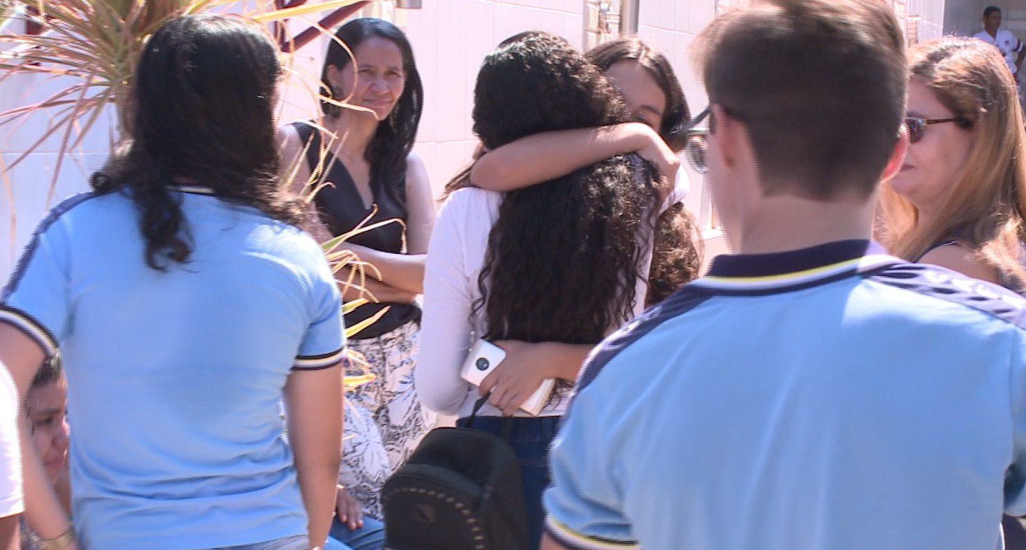 Familiares de reféns mortos em Milagres reclamam da ausência de membros do Governo em velório