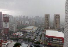 Chuva no bairro do Papicu