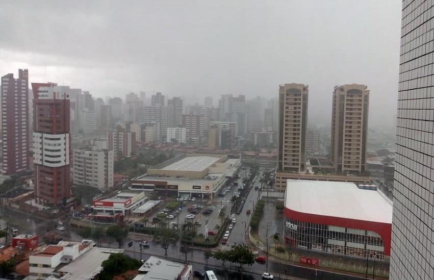 Ceará tem chuva em 86 municípios nas últimas 24h; Previsão é de mais água por aí