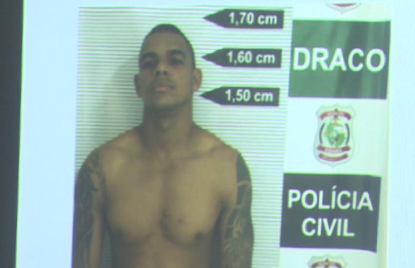 Homem acusado de matar esposa e de jogar bebê em privada é preso tentando fazer novo RG
