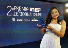 Repórter Jéssica Welma participou da cerimônia do Prêmio Inep, representando o Tribuna do Ceará. (Foto: Tribuna do Ceará)