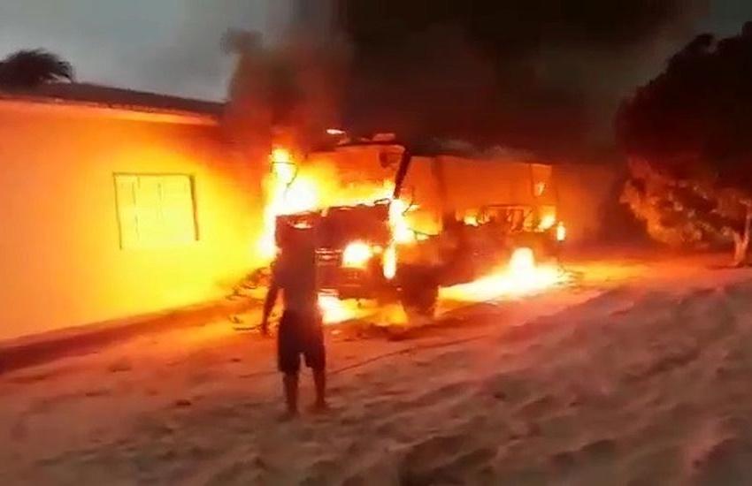 Onda de ataques chega a Jericoacoara, em incêndio a ônibus escolar em creche