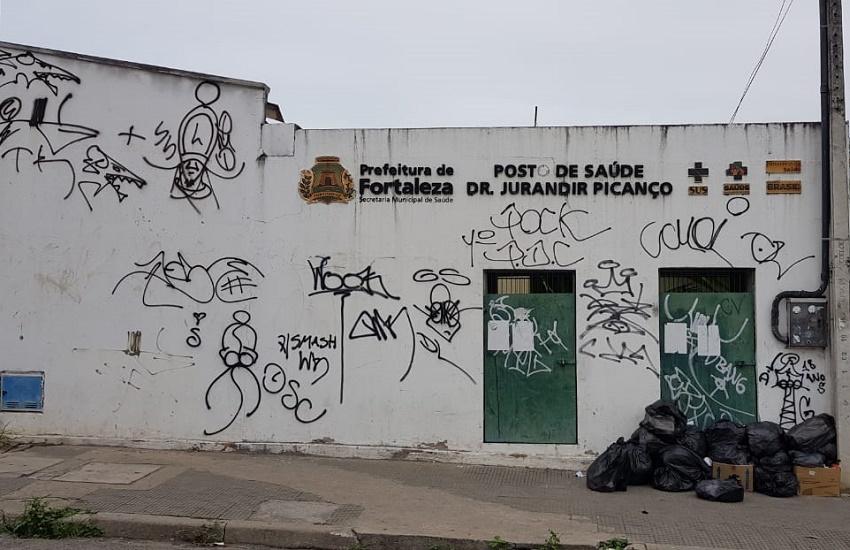 No Grande Bom Jardim, postos de saúde foram fechados, segundo apuração da TV Jangadeiro (FOTO: Dorian Girão)