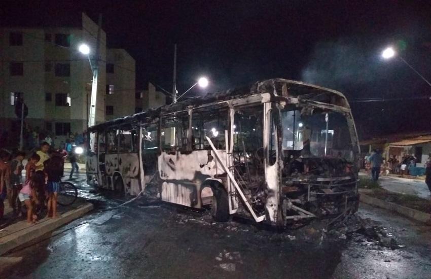 Ceará chega ao 28º dia de ataques criminosos com ônibus e caminhão incendiados