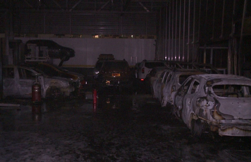 Concessionária de Fortaleza tem 6 carros incendiados em onda de ataques de facções