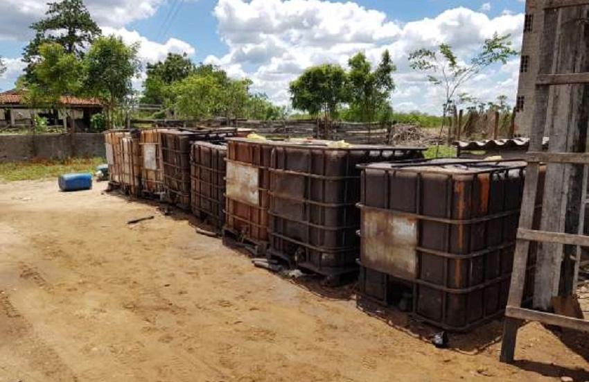 Depósito clandestino com 1,1 mil litros de combustível é encontrado pela Polícia
