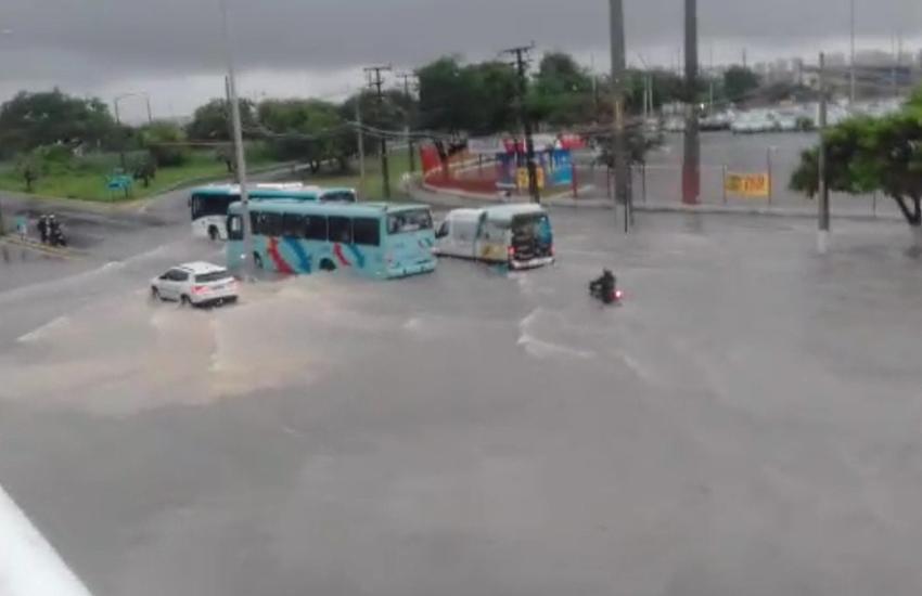 Fortaleza registra mais de 100 milímetros de chuva, a maior do ano