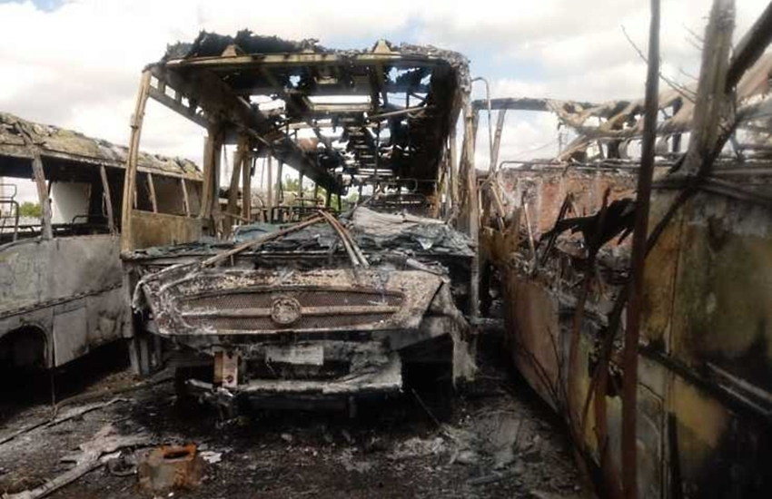 """Frota de veículos de Ibaretama é destruída em ataque: """"triste realidade"""", diz gestor da Prefeitura"""