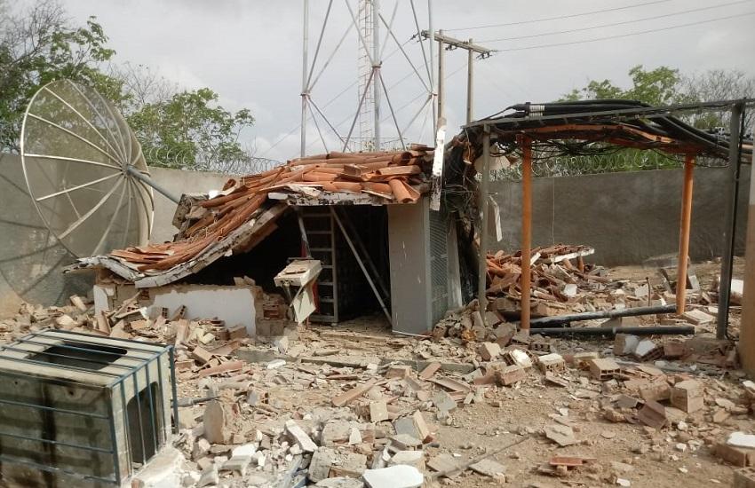 Ataque à antena de telefonia deixa 12 cidades do interior do Ceará sem sinal