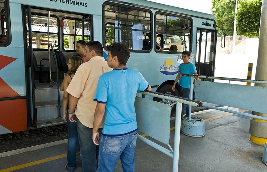 Frota de ônibus funcionará normalmente na Grande Fortaleza nesta segunda-feira, diz Sindiônibus