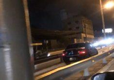 Carro trafegando pela ciclovia da Washington Soares