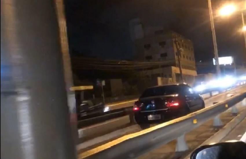 Motorista é flagrado trafegando em ciclovia da avenida Washington Soares