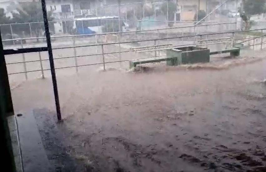 Tianguá tem asfalto de ruas destruído após temporal; Ceará registra chuva em 131 cidades