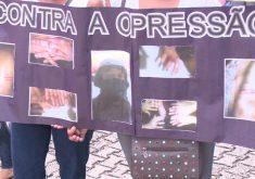 Protesto de mulheres contra casos de torturas dentro do presídio