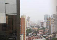 Chove em Fortaleza deste a noite da sexta-feira (8). Foto: Jéssica Welma/Tribuna do Ceará)
