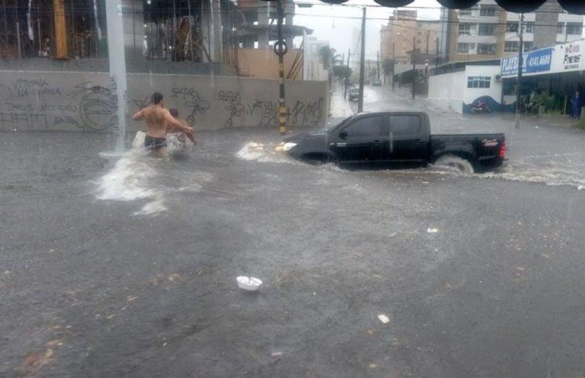 Por que a Av. Heráclito Graça sempre vira um rio em todo dia de chuva forte?
