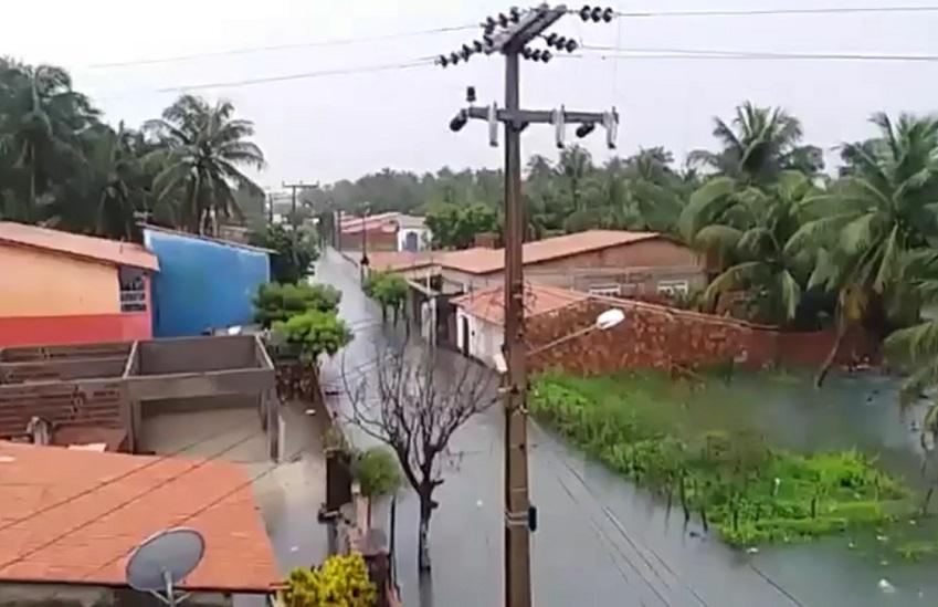 Itarema, no Litoral Oeste, registra maior chuva do ano no Ceará, com 212 milímetros