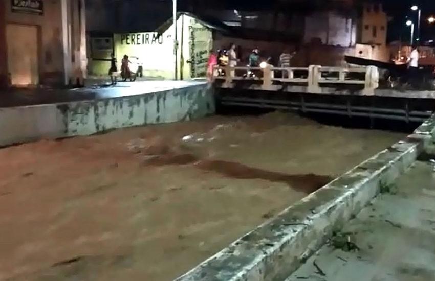 Homem morre arrastado por correnteza causada por forte chuva no Crato