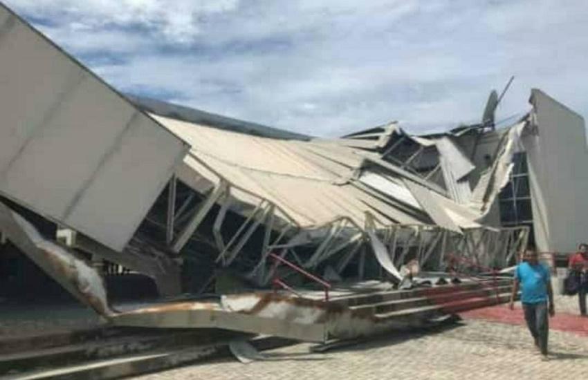 Parte do teto de escola pública desaba em Fortaleza
