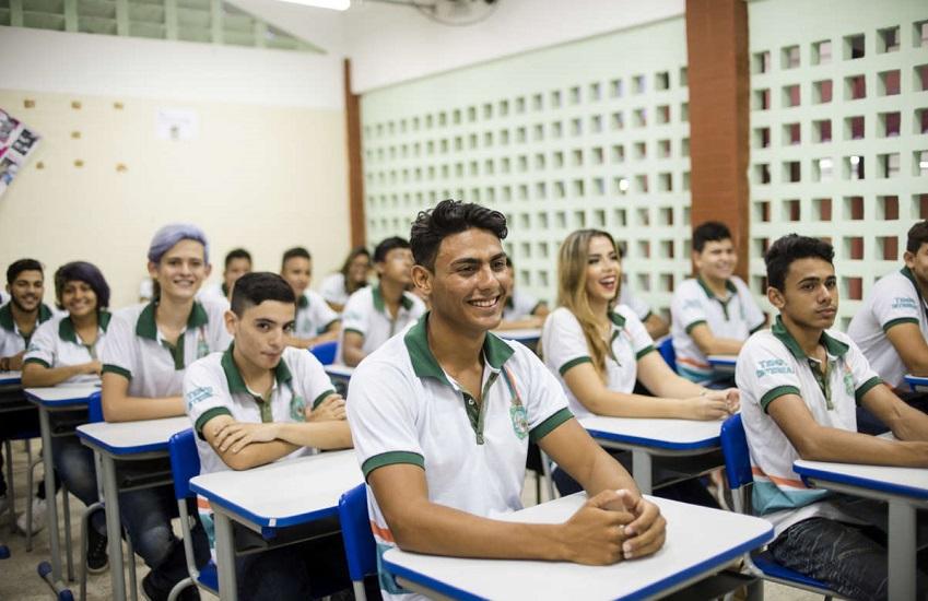Índice de evasão escolar no Ceará atinge menor patamar da história