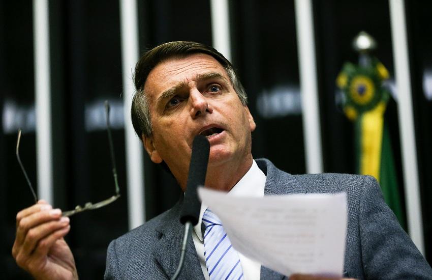 Para especialistas, tuíte de Bolsonaro quebra liturgia do cargo, mas não deve levar a impeachment