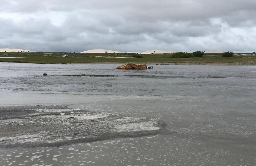 Chuva aumenta volume de rio e há riscos na travessia entre Praia do Preá e Jericoacoara