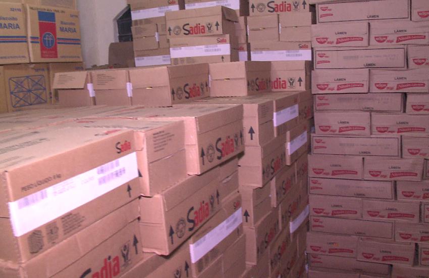 Polícia apreende carga de alimentos não perecíveis roubados em casa de Fortaleza
