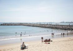 Jovem foi encontrado na Praia de Iracema. (FOTO: Thiago Gaspar/ Prefeitura de Fortaleza)