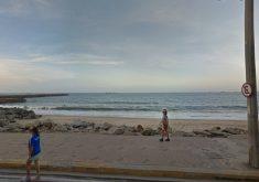 Trecho entre espigão da Beira Mar e José Villar está impróprio, segundo a Semace. (Foto: Reprodução/Google)