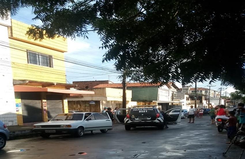 Policial feminina reage a assalto e mata um dos suspeitos em bairro de Fortaleza