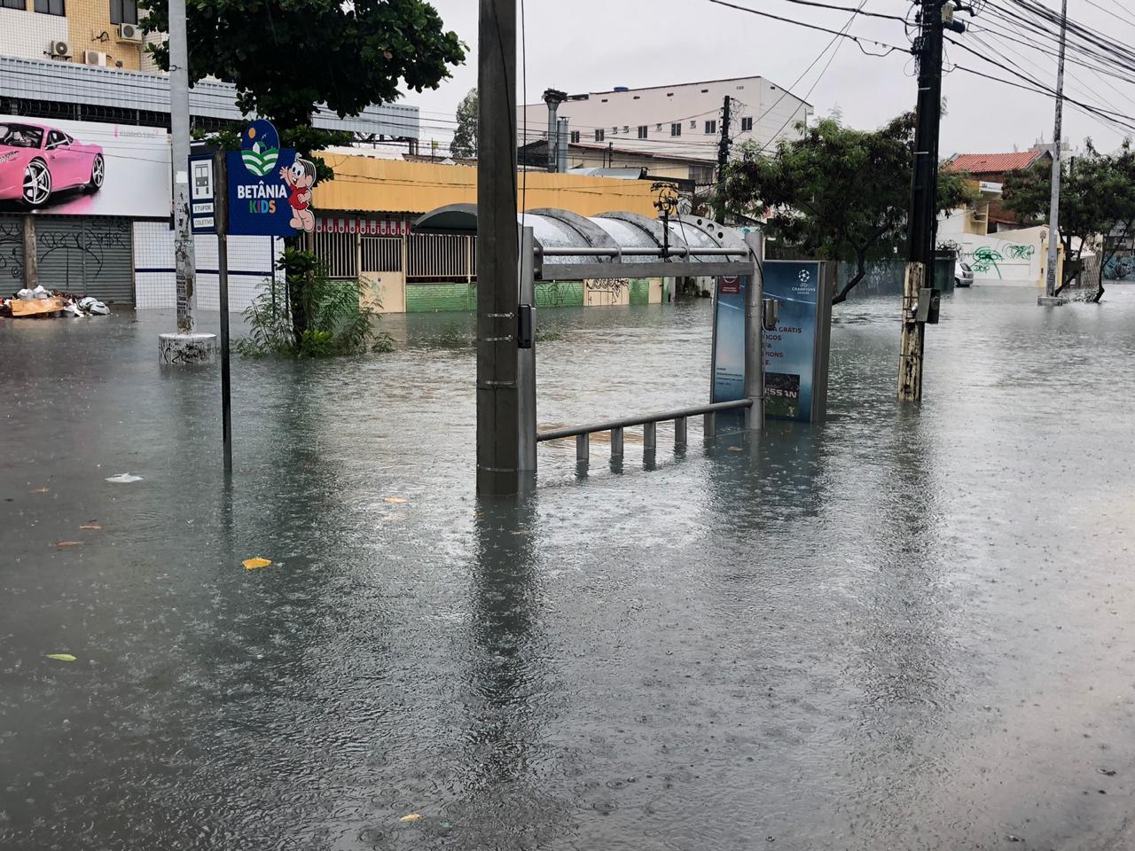 AVENIDA HERÁCLITO GRAÇA