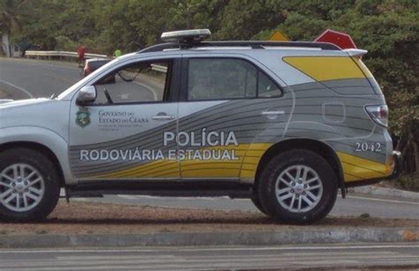 Ônibus que seguia para Jijoca de Jericoacoara se envolve em acidente com caminhão