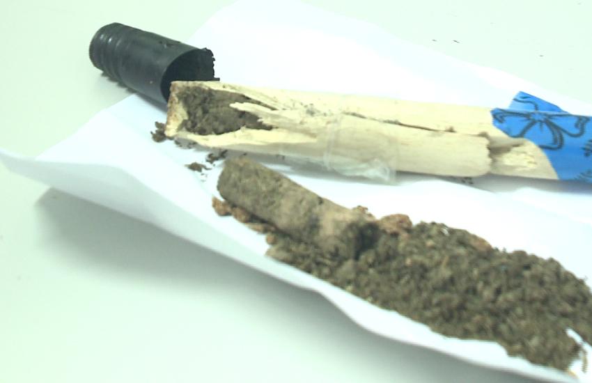 Droga é apreendida dentro de cabos de vassoura em revista feita em presídio cearense
