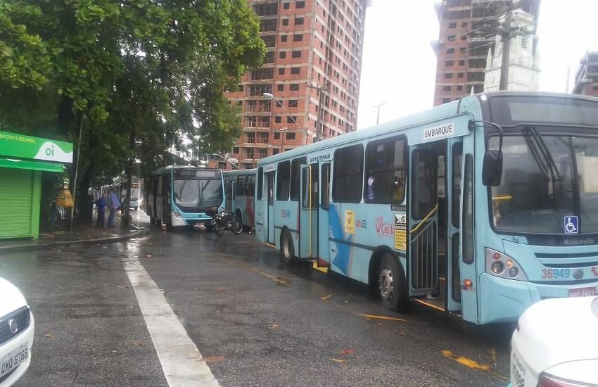 Onda de ataques tem afetado o transporte público (FOTO: Divulgação/Sindiônibus)